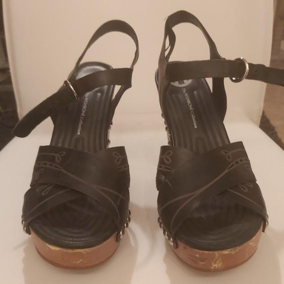 Wishbone Platform Sandals